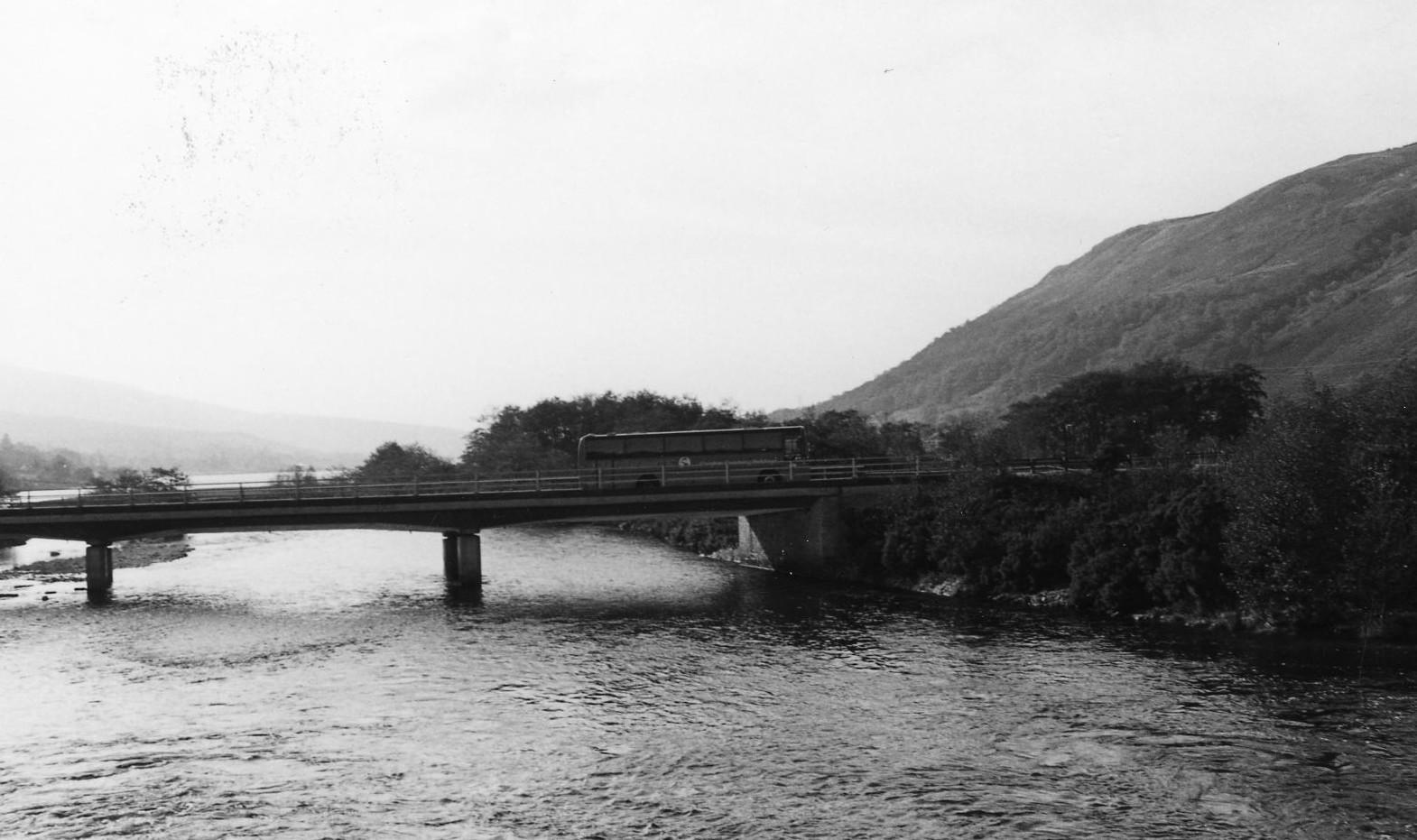 Bus on Fyne Bridge