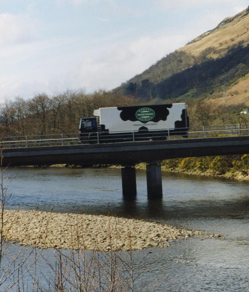 Milk Lorry on Fyne Bridge