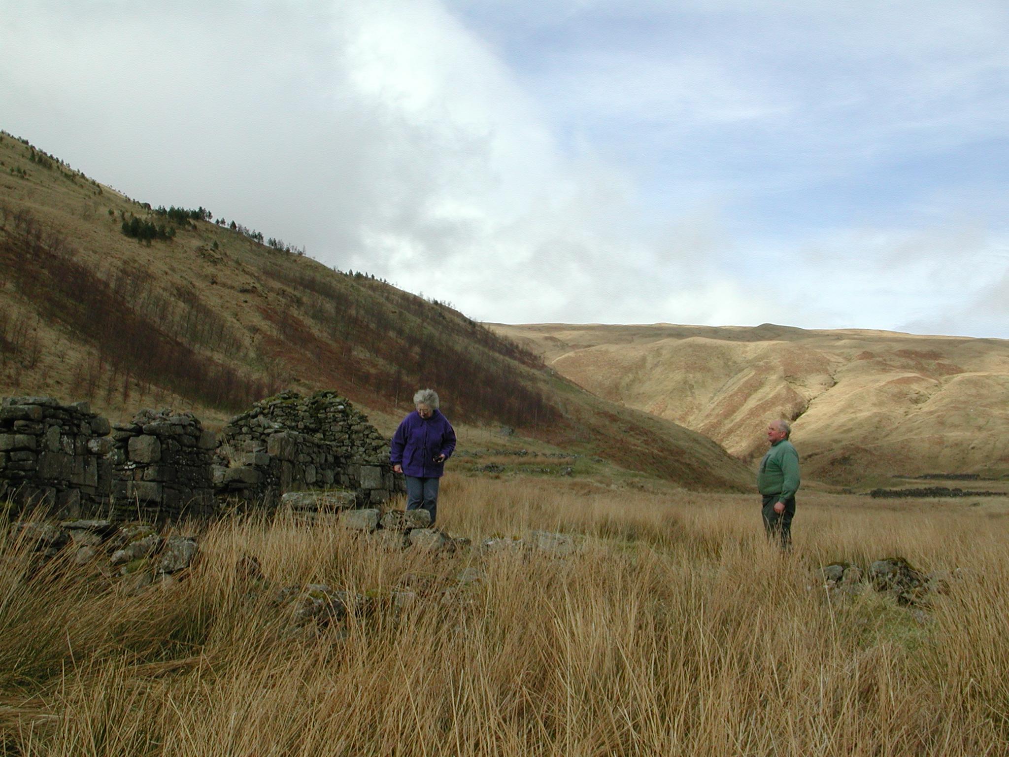 Alistair MacCallum & Alice Beattie, Ruins at head of Glen Fyne