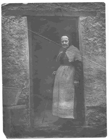 Janet Livingstone(Granny)