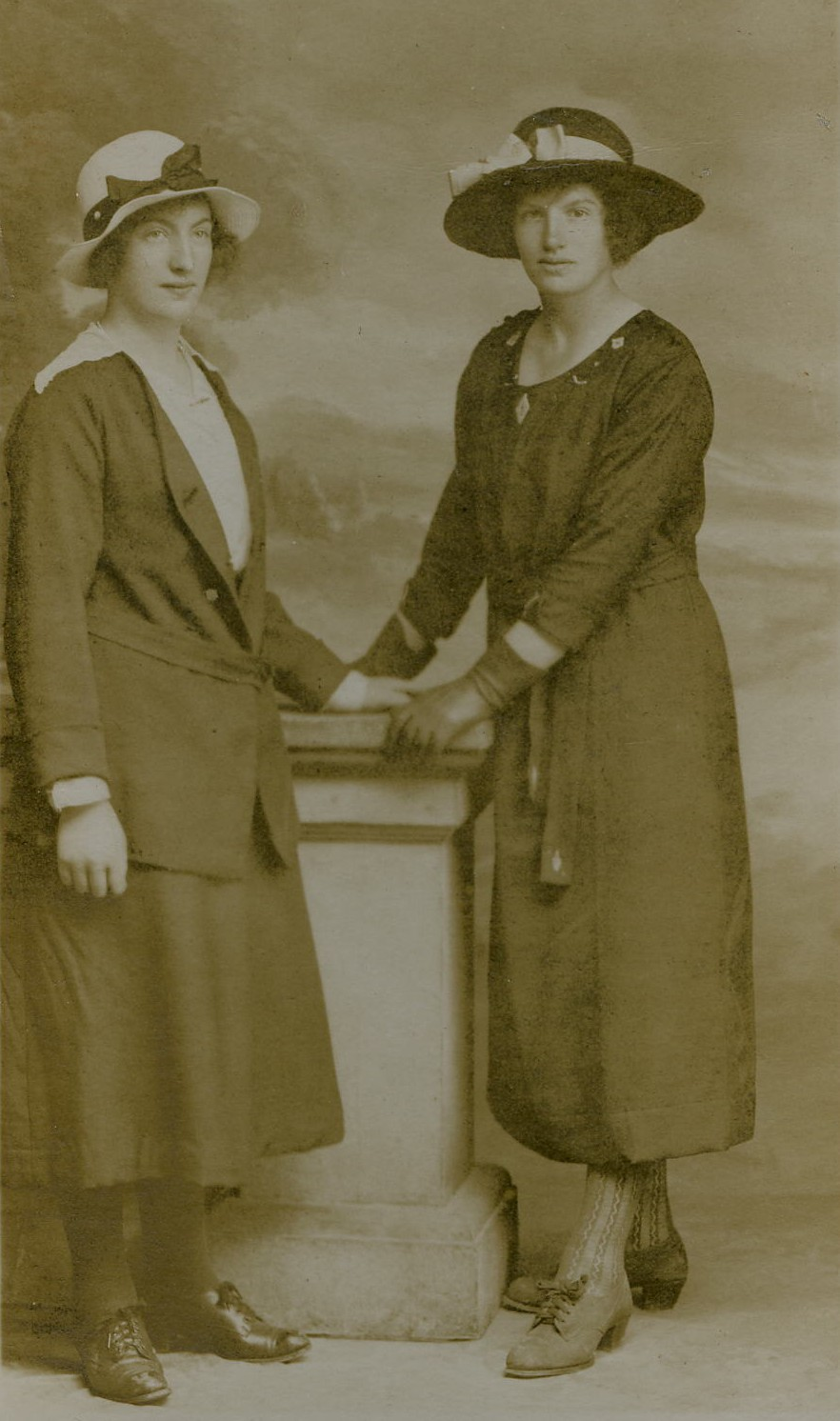 Alice McNair (Sinclair) & Elizabeth (Lizzy) McNair (Callander)