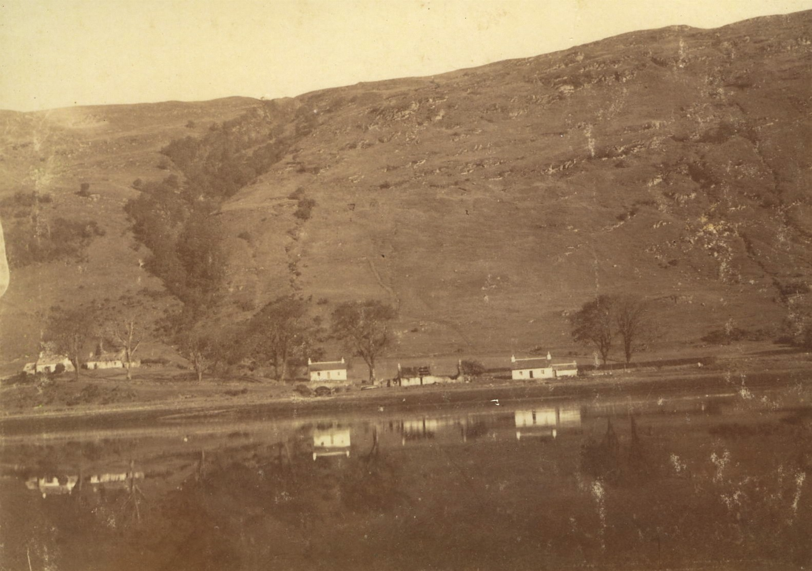 Cuil &Clachan Beag (Houses below the road)